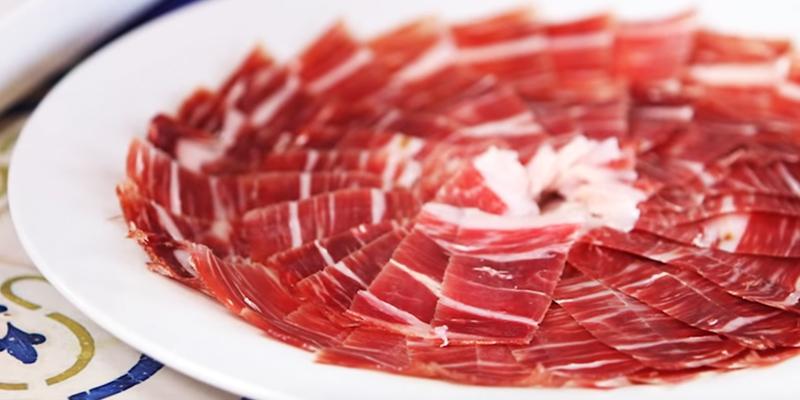 Cómo cortar el jamón como un profesional, sin salir de casa