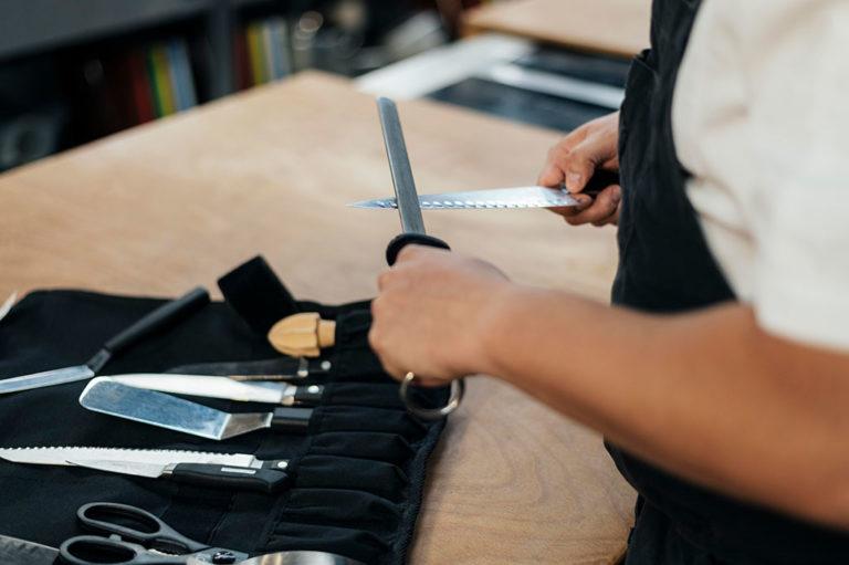 ¿Cómo afilar un cuchillo jamonero?